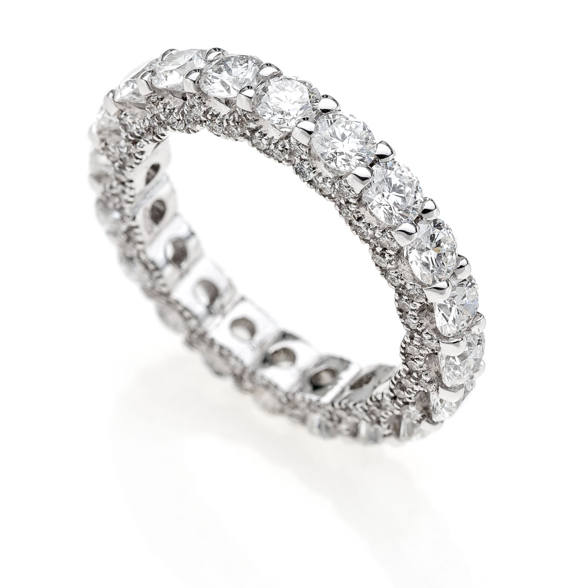 18 KT white gold Eternity ring with round brilliant cut diamonds ct.2.80 + ct.0.30 VVS1 E color