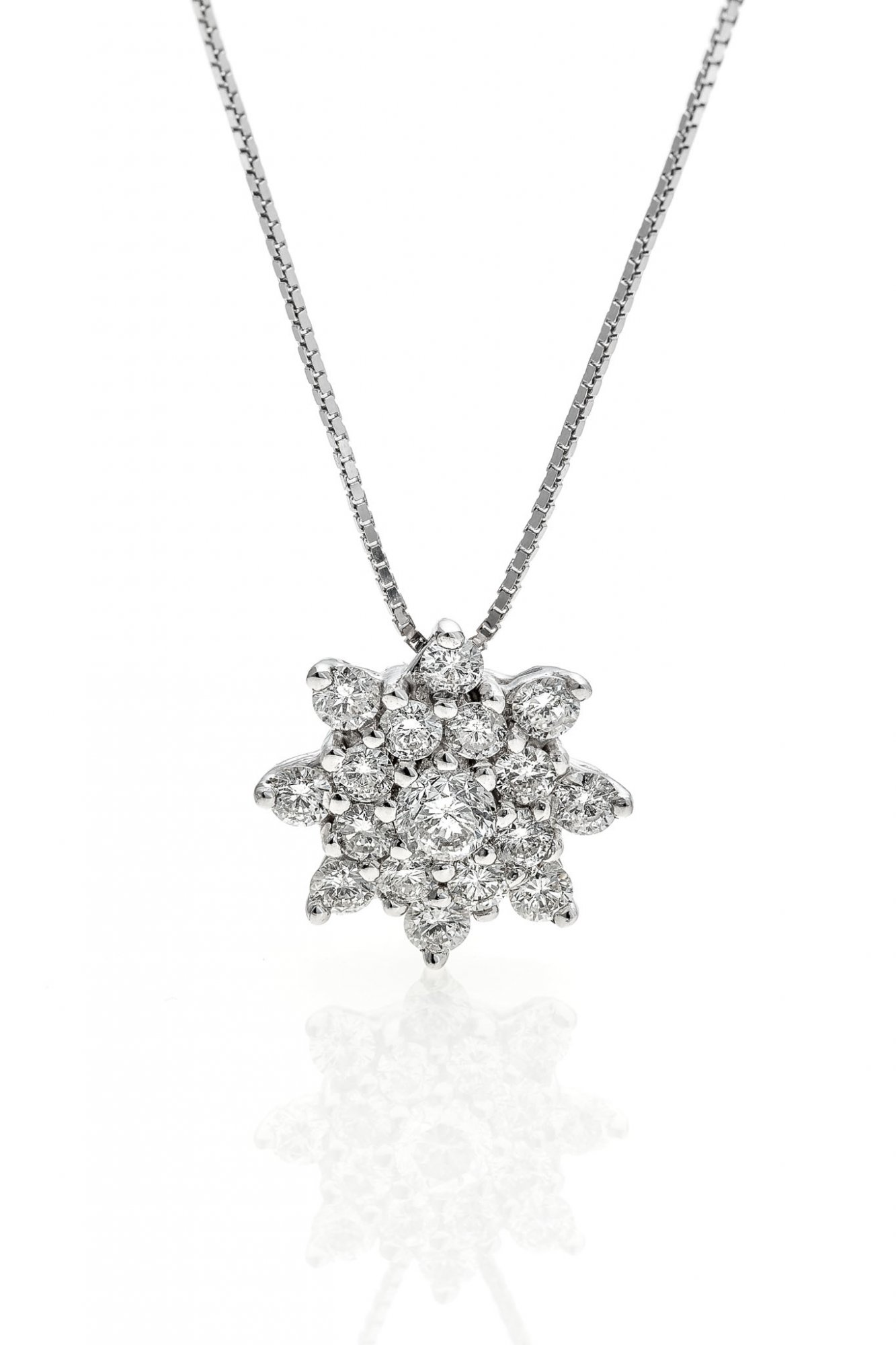 18 KT white gold necklace with round brilliant cut diamonds ct.0.50 + ct.0.10 VS1 E color