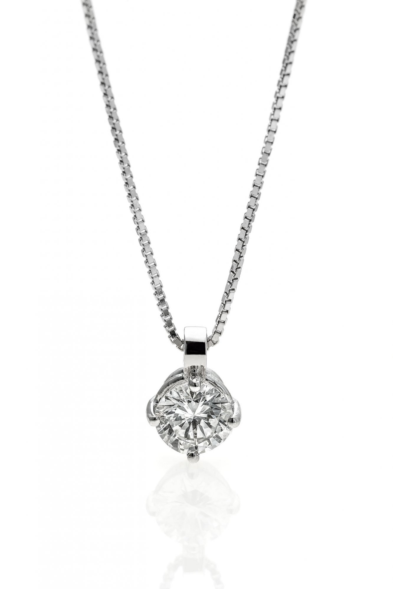 18 KT white gold necklace with round brilliant cut diamonds ct.0.70 IF E color